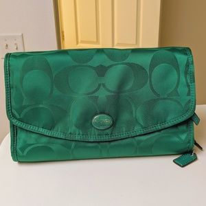 Coach bright jade hanging toiletry makeup bag